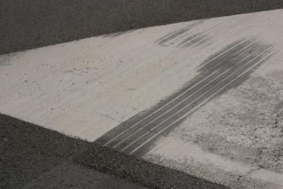 How to Remove Tire Marks from Concrete